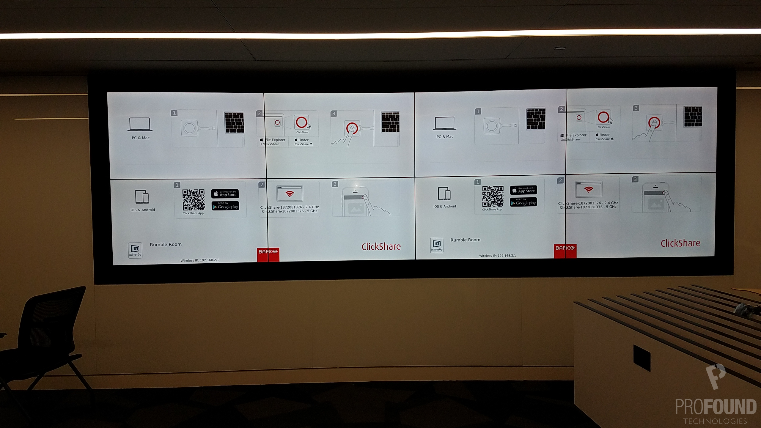 Eight Display Clickshare Video Wall